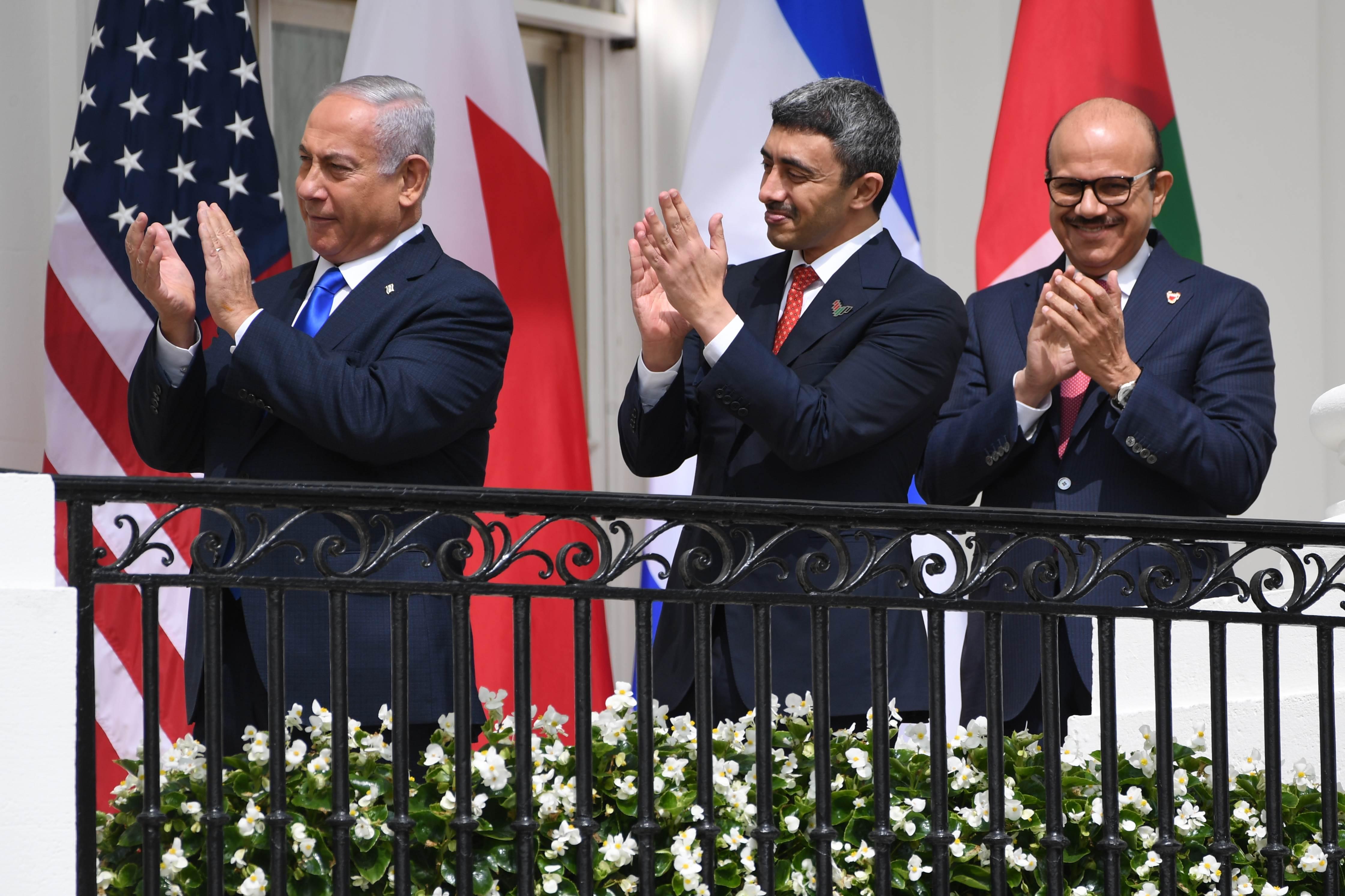 يتهم دحلان بتقريب وجهات النظر الإسرائيلية الإماراتية