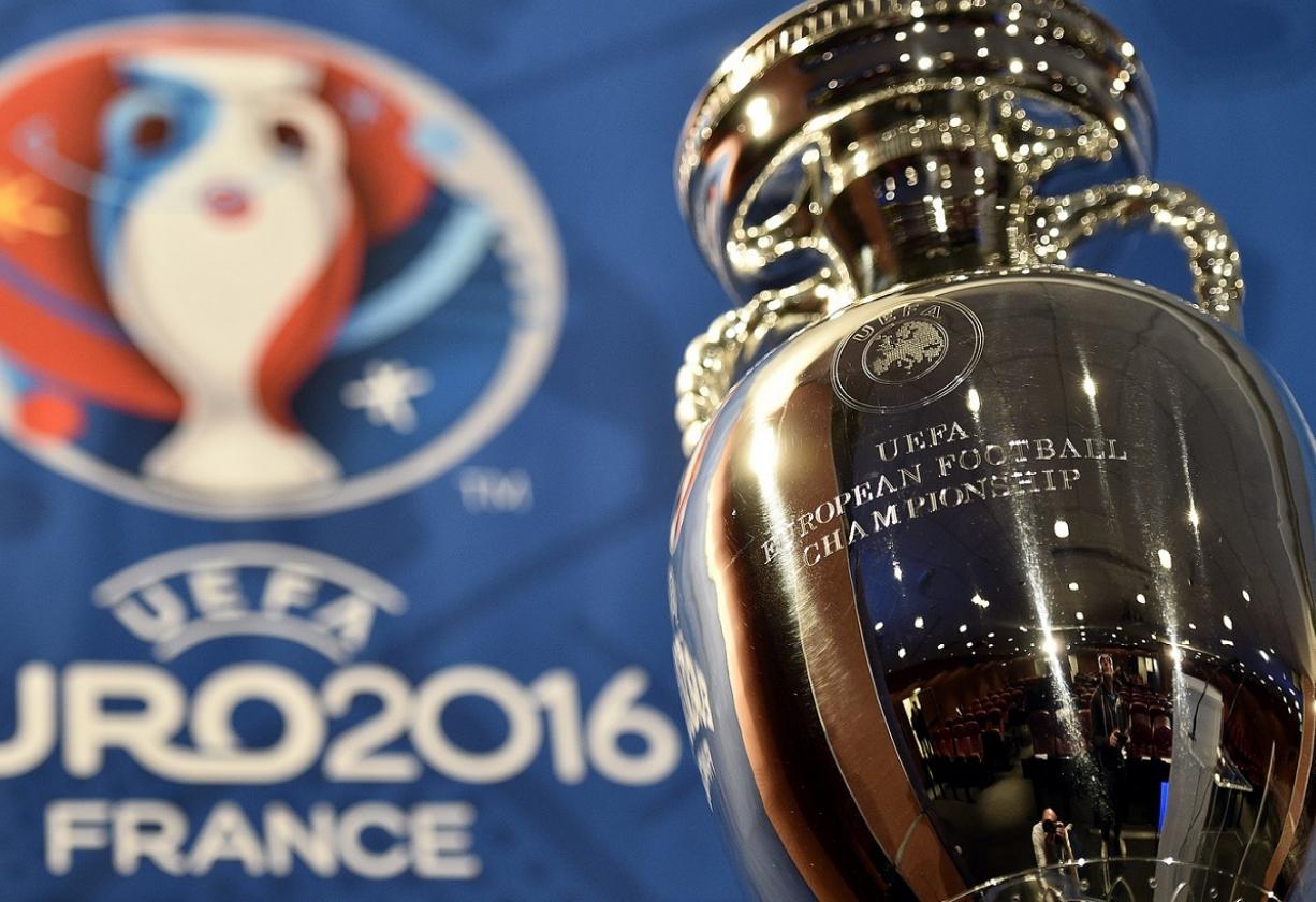 نهائي يورو 2016: تاريخ الديوك في مواجهة طموح رفاق رونالدو