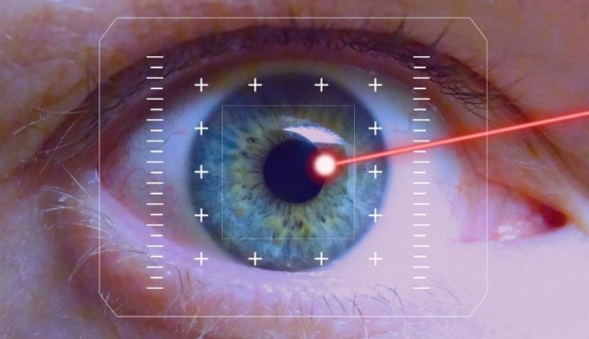 إليك كل ما تريد معرفته عن جراحة تصحيح الرؤية نون بوست
